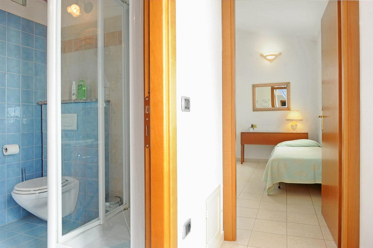 Bagno Esterno In Giardino tripla con bagno privato esterno | il giardino di valentina