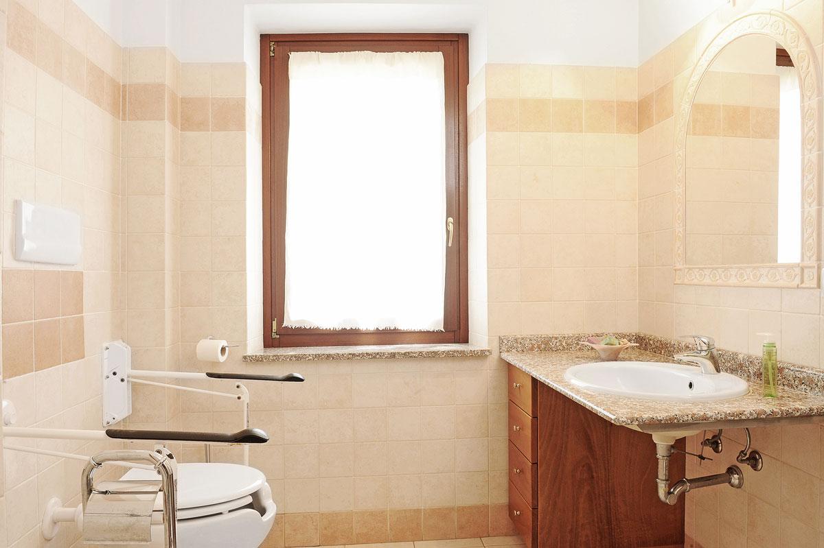 il-giardino-di-valentina_handycap-bathroom_4972